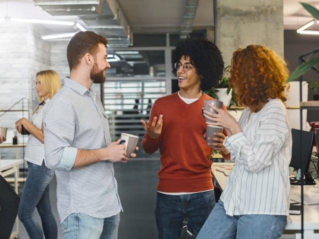 Nous sommes tous des animaux sociaux. Nos vies mêmes dépendent de nos relations avec les gens.